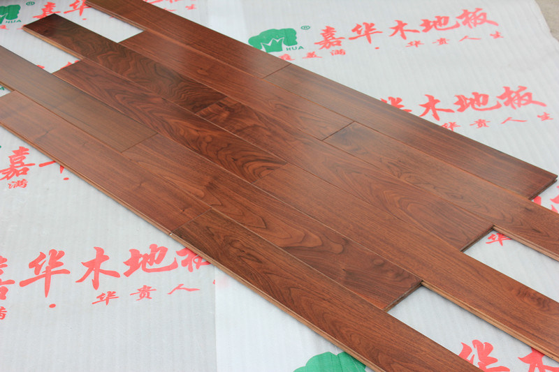 The Fashion Hickory Solid Wood Flooring with ISO Certification